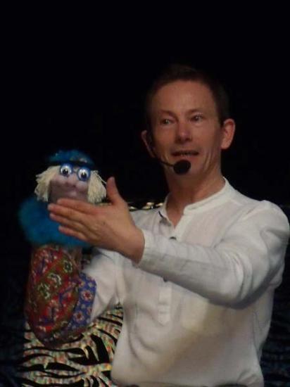 ventriloque, fantaisiste...